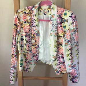 Floral cropped blazer w/ shoulder pads